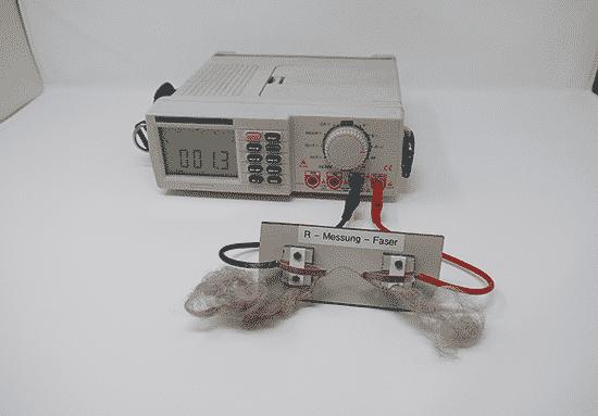 Elektrisch leitende Textilfasern durch Silberbeschichtung